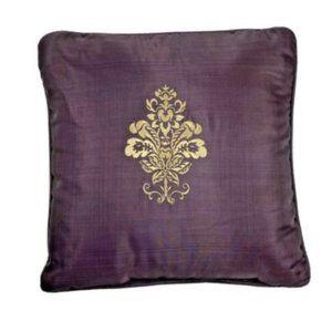 Croscill Discontinued Amethyst Purple & Gold Throw